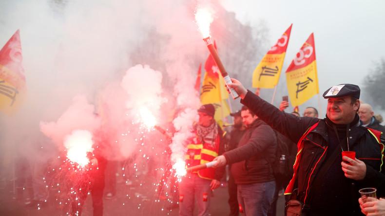 """""""Alle Räder stehen still, wenn dein starker Arm es will"""" - Massiver Eisenbahnerstreik in Frankreich"""