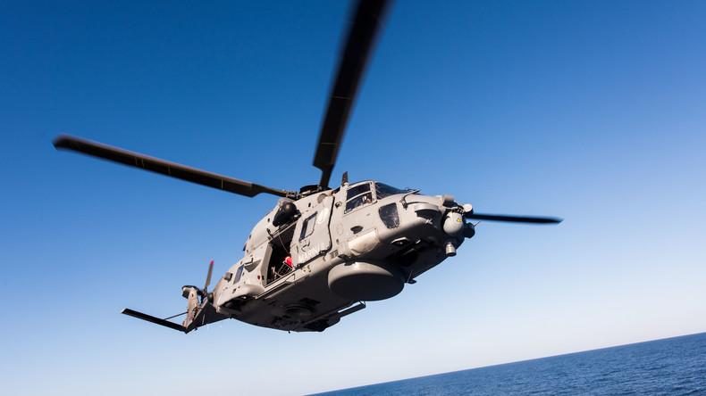 Italien: Marine-Hubschrauber stürzt ins Mittelmeer: ein Toter