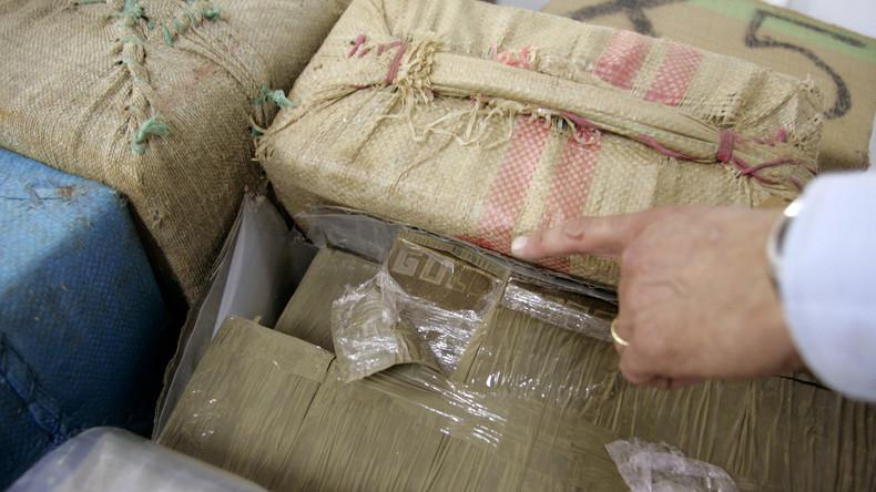 Spanische Polizei beschlagnahmt über acht Tonnen Haschisch innerhalb eines Tages