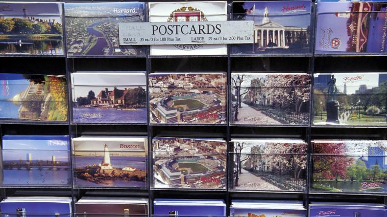 Liebe Grüße von längst verstorbener Mutter: Frau erhält Postkarte fast 60 Jahre nach Abschicken
