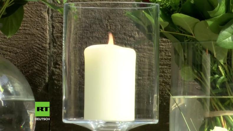 Deutschland: Trauernde legen Blumen am Tatort von Münster nieder (Video)