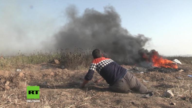 Heftige Zusammenstöße bei Hamas-Protesten: Mann ohne Beine bewirft israelische Kräfte mit Steinen