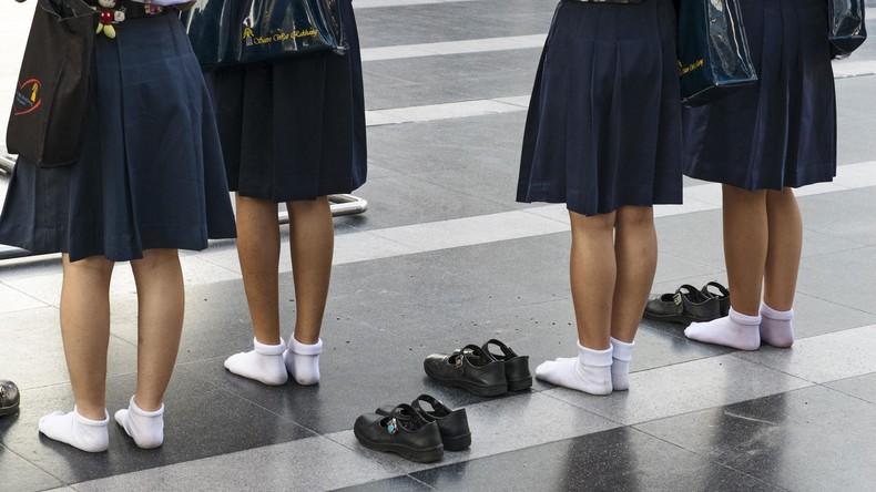 1.400 Schüler etablierten Internats hinterfragen Geschlechtsidentität - Röcke für Jungen erlaubt