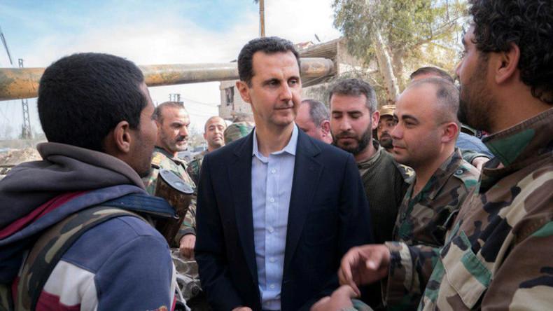 Ron Paul: Assad hat keinen Grund für Giftgasangriff, US-Interventionsbefürworter schon