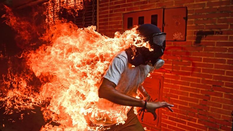 """Brennender Mann bei Protesten in Venezuela zum """"World Press Photo"""" des Jahres gekürt"""