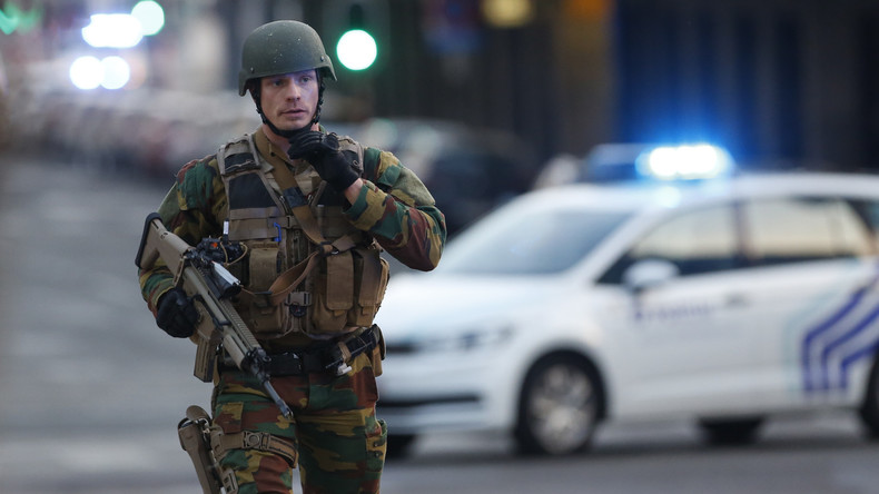 Rezept gegen Heimweh: Belgische Rekruten dürfen abends nach Hause gehen - Armee unter Kritik