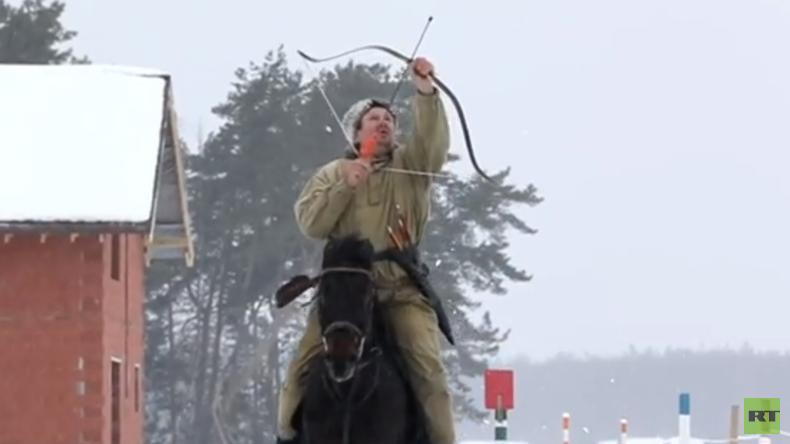 Einmal in Russland: Krieger auf Pferden