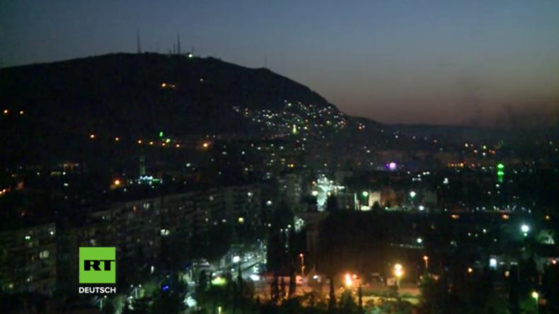 Damaskus: Syrische Flugabwehr holt Raketen des US-geführten Angriffs vom Himmel