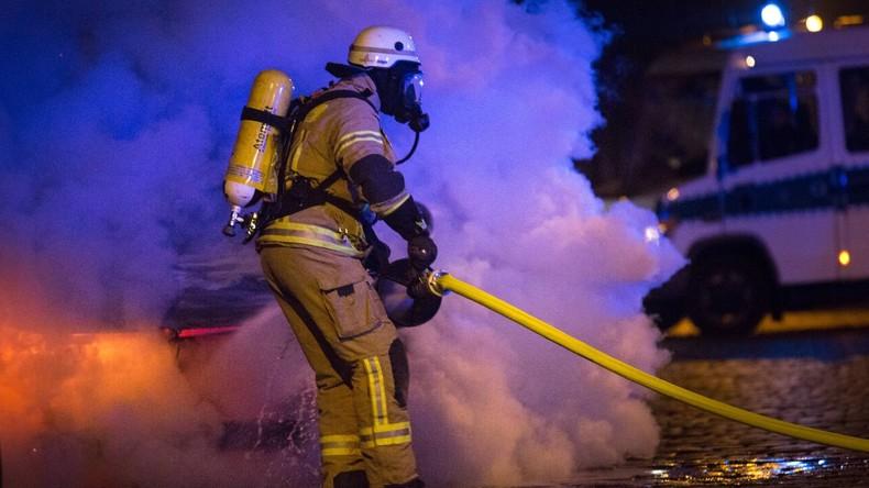 Drei Brände in Berliner Hochhaus innerhalb eines Tages - mindestens fünf Verletzte