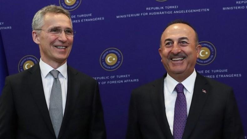 LIVE: Pressekonferenz von NATO-Generalsekretär Stoltenberg und türkischem Außenminister Cavusoglu
