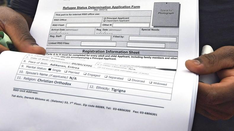 Frustrierte Flüchtlinge verkaufen vor Ausreise deutsche Papiere