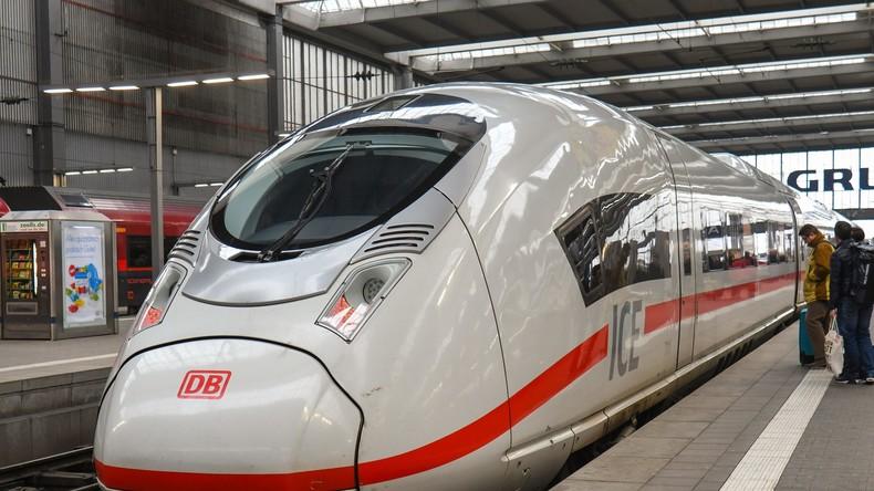 ICE mit 400 Reisenden nahe Berlin erfasst Wildschweine