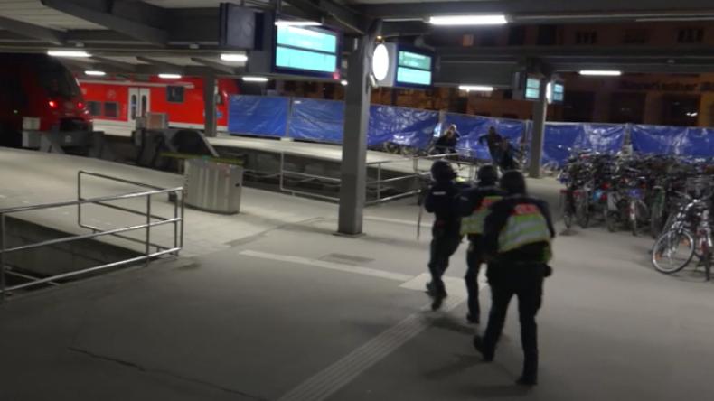 Maschinenpistolen-Feuer im Münchner Hauptbahnhof: SEK trainiert den Terror-Ernstfall