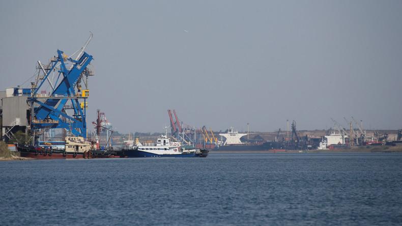Mit Kohle beladenes US-Schiff beschädigt Hafenanlage in Ukraine