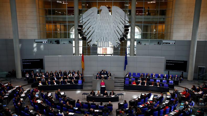 LIVE: Bundestagsdebatte zu Bundeswehr, Migration und Armut in Deutschland