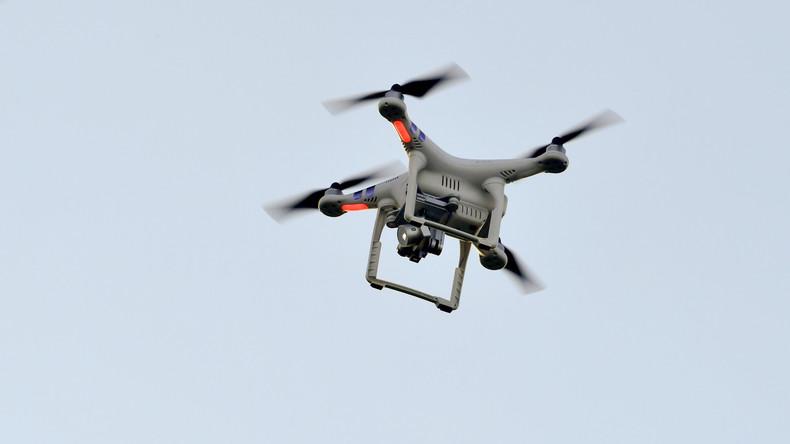 Den Nagel zum Glück nicht auf den Kopf getroffen: Drohne greift Menschen in Thüringen an