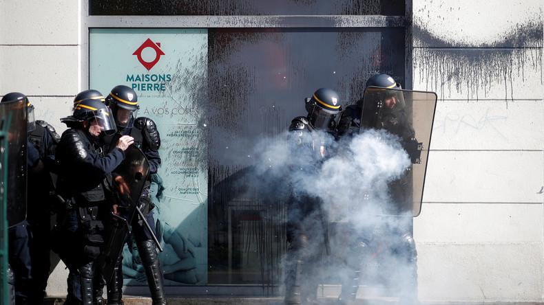 Live aus Paris: Proteste gegen Arbeitsmarktpolitik von Präsident Macron eskalieren