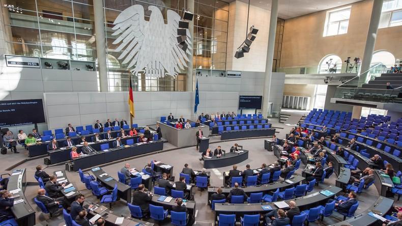 LIVE: Bundestagsdebatte zu Grunderwerbssteuer, Bienengiften und kostenloser Nahverkehr