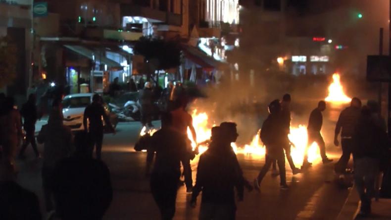 Griechenland: Rechtsextremisten greifen Flüchtlings-Protestcamp an