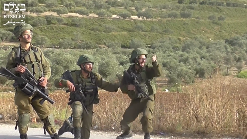 """""""Das wird ihnen eine Lehre sein"""" - Erneut feiert israelischer Soldat Schuss auf Palästinenser"""