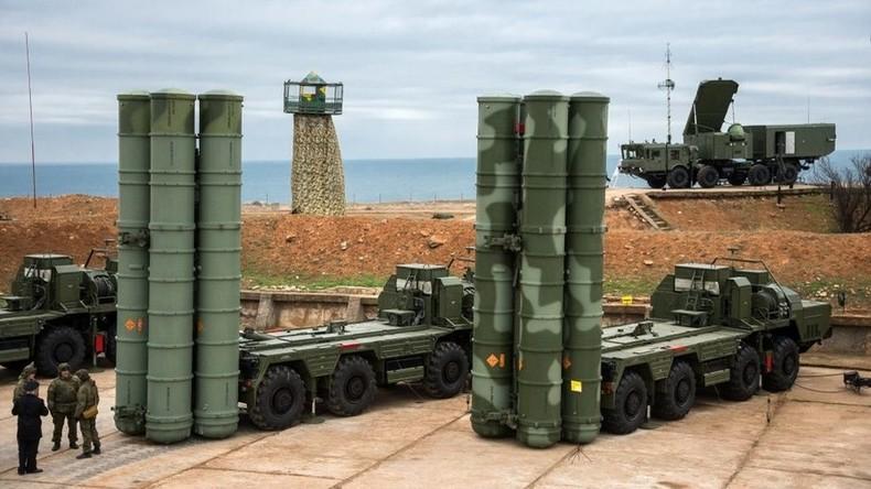 Unterzeichnung eines S-400-Luftverteidigungssystem-Deals mit Indien