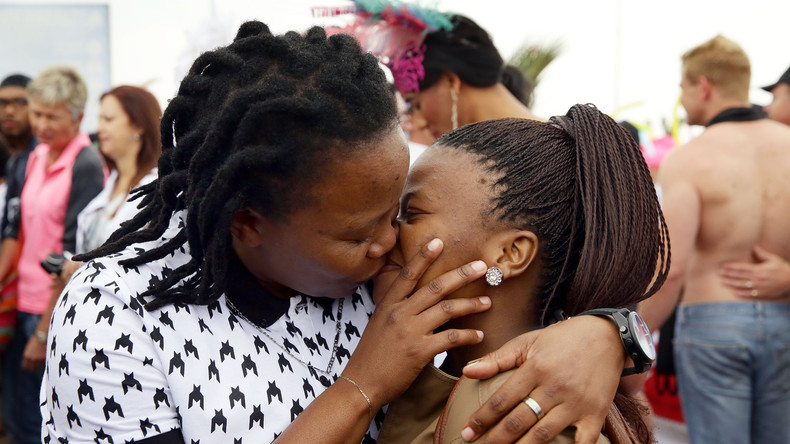 Erster kenianischer Film bei Cannes-Festival wegen lesbischer Liebesgeschichte in Heimat verboten