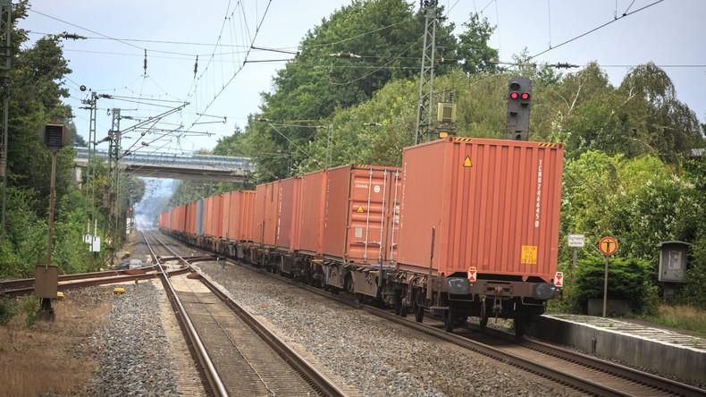 Güterzug-Entgleisung in München verursacht Millionenschaden – Strecke München-Mühldorf gesperrt