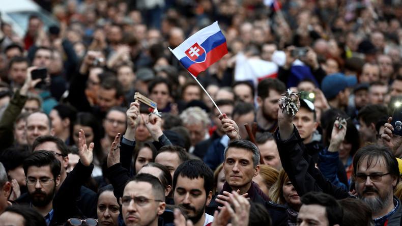 Tausende Slowaken demonstrieren für vorgezogene Parlamentswahl