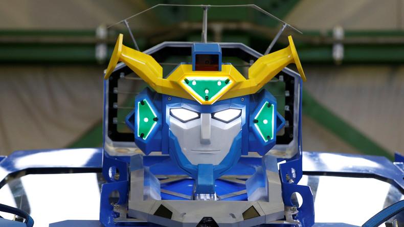 Vom Androiden zum Auto in 60 Sekunden: Japan sorgt mit spektakulärem Transformer für Sensation