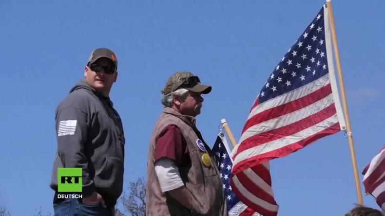 USA: Hunderte Menschen demonstrieren gegen Waffenkontrolle