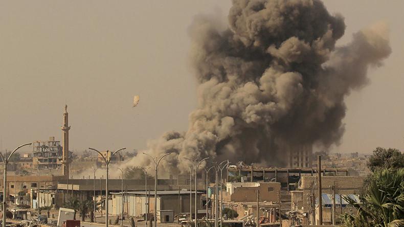 Mehrere Militärstützpunkte in Syrien mit Raketen angegriffen - Berichte