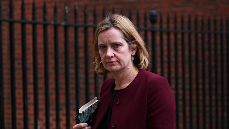 May-Kabinett leert sich: Auch britische Innenministerin tritt nach Migranten-Skandal zurück