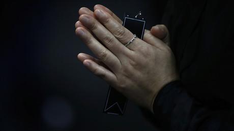 Symbolbild: Gebet im Gedenken an die Opfer der gesungen Fähre Sewol, Südkorea, 30. April 2014.