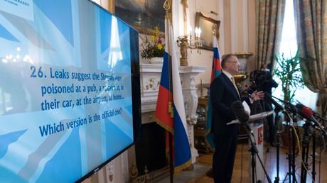 Einfach nur der bessere Propagandist? Der russische Botschafter in Großbritannien, Alexander Jakowenko, am Donnerstag während einer Pressekonferenz.