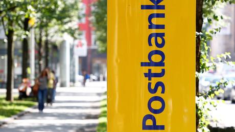 Die Deutsche Postbank AG ist ein deutsches Kreditinstitut mit Sitz in Bonn. Sie ist seit 2015 eine hundertprozentige Tochter der Deutschen Bank.