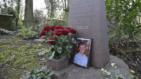 Das Grab von Alexander Litwinenko auf dem Highgate-Friedhof in London.