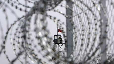 Griechisch-türkische Grenze in der Nähe der Stadt Orestiada: Laut einem Medienbericht verlassen anerkannte syrische Flüchtlinge mangels Aussicht auf Familiennachzug zunehmend Deutschland. Sie kehren dann illegal in die Türkei zurück.