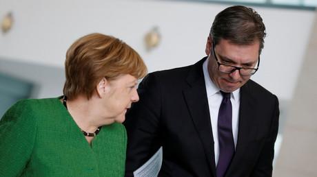 Serbiens Staatspräsident Aleksandar Vučić traf sich an diesem Freitag mit Bundeskanzlerin Angela Merkel (CDU) in Berlin. Zentrales Thema war der Dauerkonflikt zwischen Serbien und seiner abtrünnigen Provinz Kosovo.