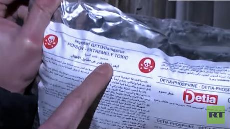 Giftiges Monophosphan, das in einem zuvor von militanten Islamisten gehaltenen Gebäude in Ost-Aleppo im November 2016 gefunden wurde.