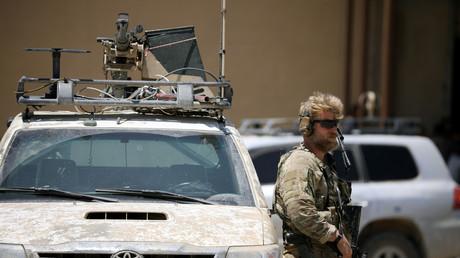 US-Soldat in der syrischen Stadt Tabqa, die von den