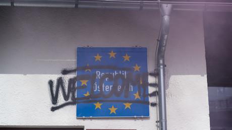 Österreich verschärft Asylrecht: Bis zu 840 Euro bei der Einreise werden kassiert (Symbolbild)
