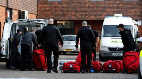 Salisbury, 21. März: OPCW-Ermittler entladen ihr Gepäck.