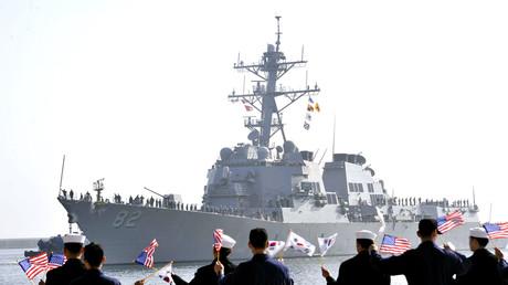 Die USS Larsson trifft im Hafen von Donghae ein, Südkorea, 9. März 2013.
