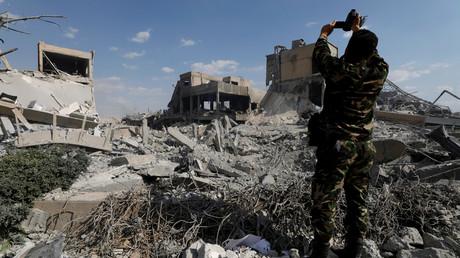 Damaskus, Stadtteil Barsah: Die von den USA angegriffene Forschungsstätte liegt in Trümmern. Laut Washington handelte es sich um eine Produktionsstätte von Chemiewaffen, laut der OPCW um eine zivile Einrichtung.