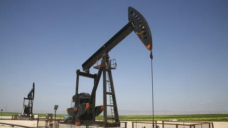 Eine Ölpumpe in der Stadt asch-Schaddadi im Gouvernement al-Hasaka am 2. April 2010.