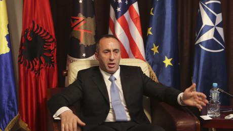 Ramush Haradinaj ist Vorsitzender der Allianz für die Zukunft des Kosovo (AAK).  Hier gibt er Reuters ein Interview in der AAK-Zentrale in Pristina - am 4. Dezember 2012. Seit dem 9. September 2017 ist er Premierminister des Kosovo.