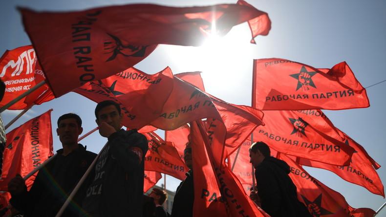 """""""Sozialismus statt Putin"""": KPRF und linke Bewegungen feiern den 1. Mai in Moskau"""