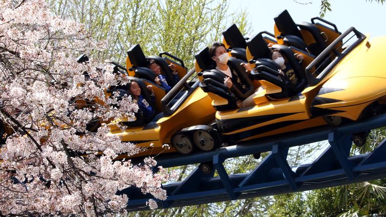 Gestrandet in luftigen Höhen: Fahrgeschäft in Japan geht kaputt - 64 Menschen sitzen fest