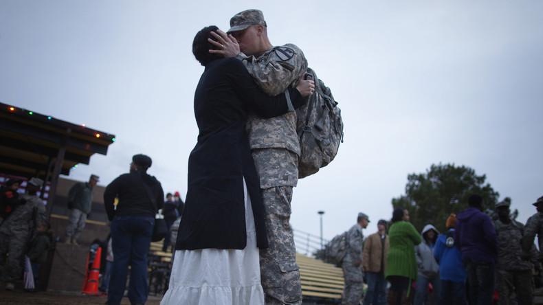 """""""Erst fragen, dann küssen"""" - Pentagon will Soldaten Anstand beim Umgang mit Frauen lehren"""