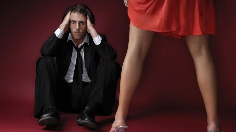 Neunfacher Vater erfährt zufällig beim Arzt, dass er sein Leben lang unfruchtbar war – Scheidung